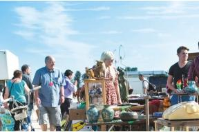 International Antiques & Collectors Fair