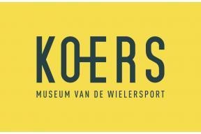 Stagiair collectie bij KOERS. Museum van de Wielersport