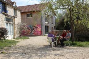 ARTIST RESIDENCY: 1 to 6 month residency in Burgundy