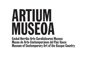 JOB OFFER: Art curator in a museum