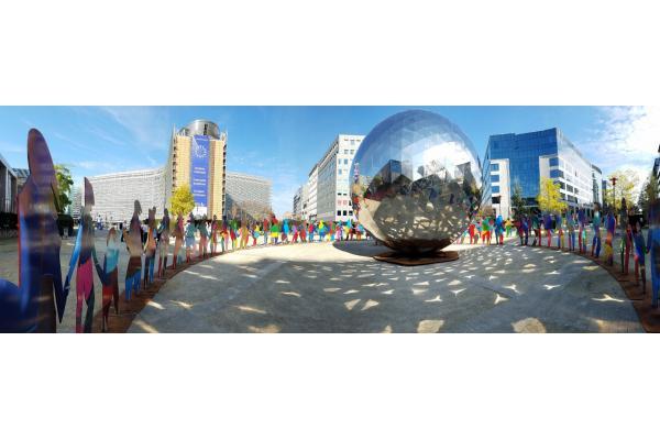 Enlightened Universe installation in Brussels