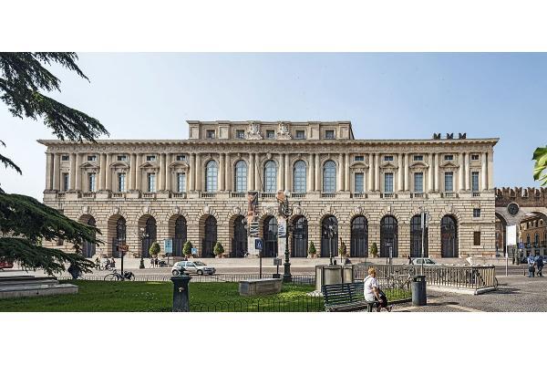 Hope, Palazzo della Gran Guardia, Verona